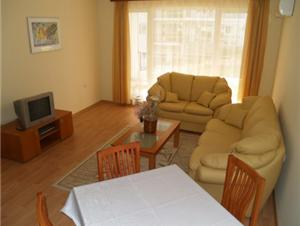 Outstandingly Furnished Ground Floor Apartment in St Vlas, Bulgaria